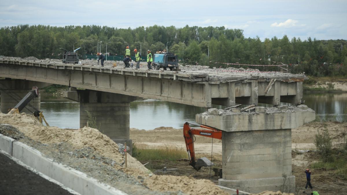 отличный фото мостов через реку чумыш ярославцы чтят память